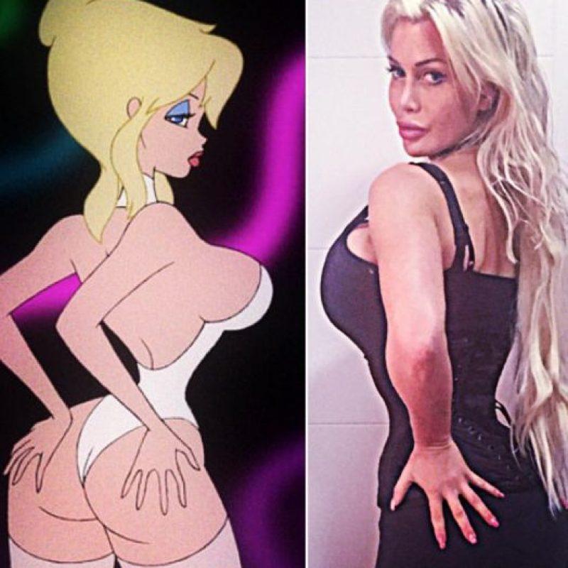 """Su inspiración es Jessica Rabbit. Quiere verse como ella y como otros personajes de caricatura incluida """"Holli Would"""" de la película """"Cool World"""", que paradójicamente, en """"Live Action"""", fue interpretada por Kim Basinger. Foto:vía Facebook/Pixee Fox"""