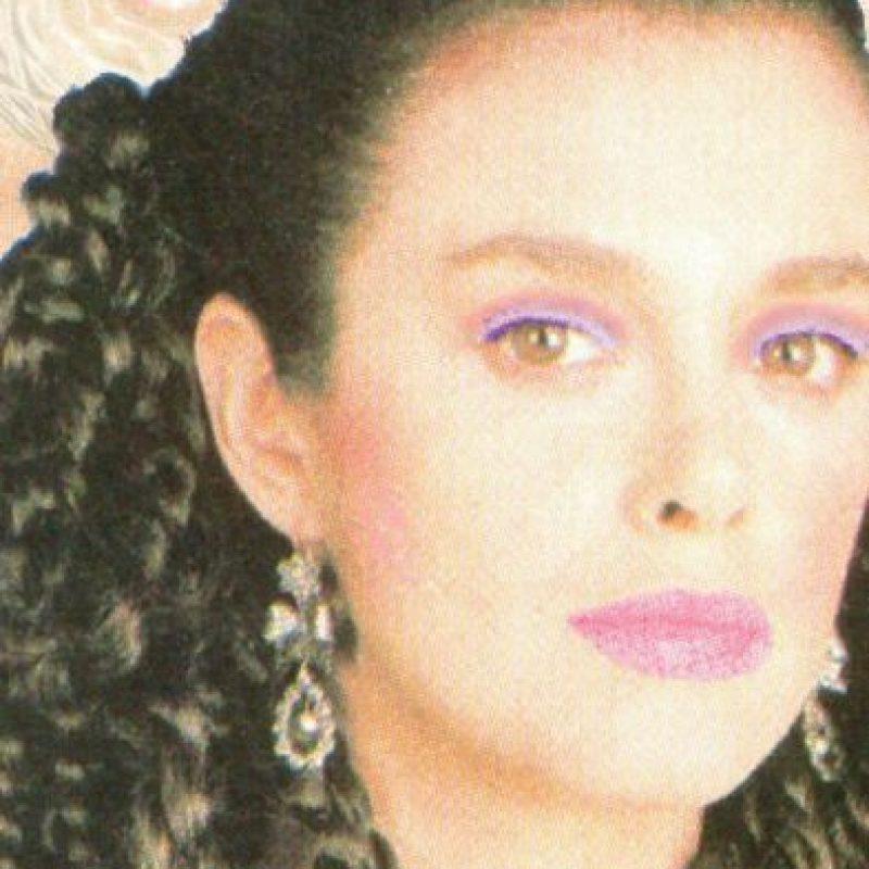 """En 1990 graba la telenovela """"Amor de Nadie"""", que trata sobre la entonces nueva y desconocida enfermedad del Sida. Foto:vía Tumblr"""