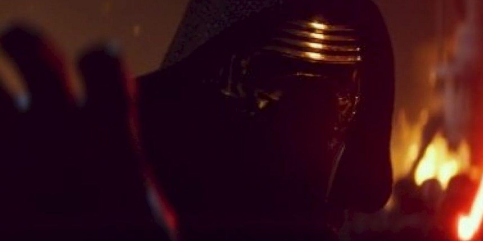 """Uno de los villanos es """"Kylo Ren"""" (Adam Driver), que pertenece a la """"First Order"""". Foto:vía LucasFilm"""