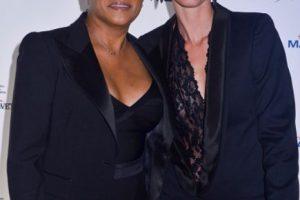 """La comediante Wanda Sykes (a quien pueden ver en """"Una suegra de cuidado""""), está casada con Alex Niedbalski. Foto:vía Getty Images"""