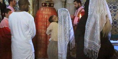 """""""Aquí es donde María lavó a Jesús tras su muerte en la cruz"""", escribió Kim en una de las fotos de su viaje a este lugar. Foto:The Grosby Group"""