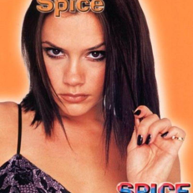 """Ahora, la socialité a revelado que en su juventud se convirtió en """"Posh Spice"""" Foto:Twitter"""