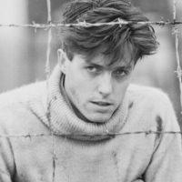Hugh Grant, el modelo de británico sonrosado y tímido. Foto:vía Getty Images