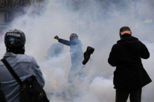 Anteriormente había una protesta de 10 mil zapatos en el lugar, organizada por la ONG Avaaz Foto: AFP