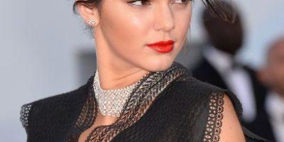 """Kendall Jenner se muestra como """"Dios la trajo al mundo"""" en Instagram"""