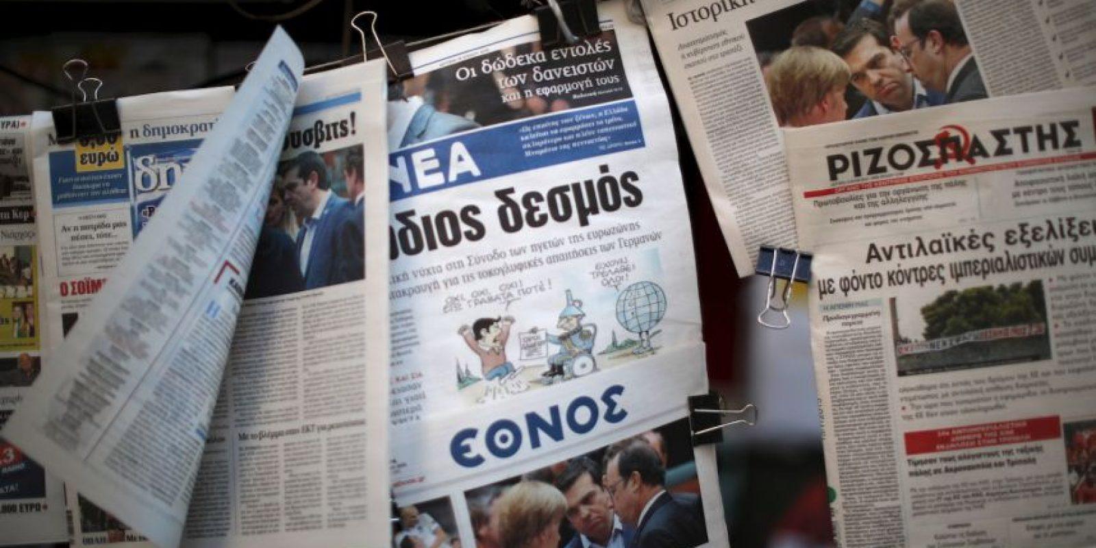 Además, toleraron y permitieron una serie de políticas estatales corruptas que explotaron en las arcas de la nación Foto:AFP