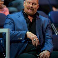 2. Stone Cold. Gana 45 millones de dólares Foto:WWE