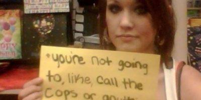 """""""Tú no llamarás a la policía o a alguien más, ¿entendido?"""". 6 años trás. Tenía 15. Mi atacante después de que me dejó. Foto:Project Unbreakable"""