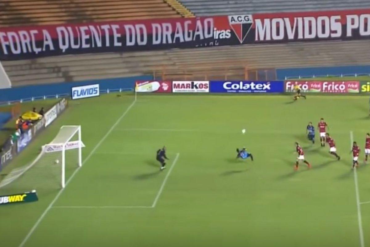 Y una espectacular chilena en Brasil Foto:FIFA