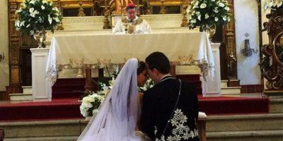 El evento fue ente las ocho y nueve de la mañana, un horario poco común para una boda. Foto:vía instagram.com/anahi