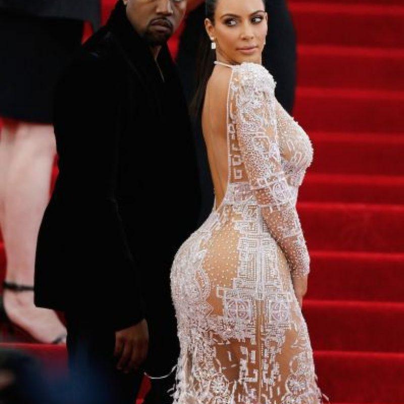 Y hasta lució este vestido semitransparente en el MET Gala. Foto:Getty Images