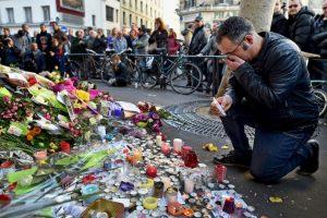 Hicieron lo mismo tras los atentados terroristas a la revista Charlie Hebdo, también en París. Foto:Getty Images