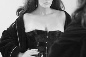 Candice Huffine fue la primera en romper el paradigma el año pasado. Foto:vía Pirelli