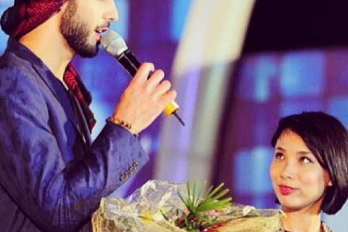 8. ¿Qué les parece esta presentadora? No pudo ocultar la admiración hacia este hombre. Foto:Vía Instagram/omarborkan