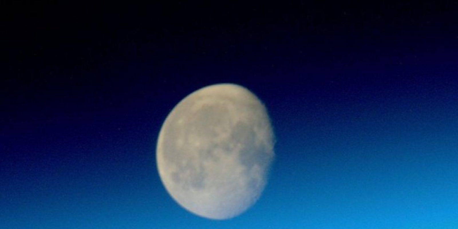 La luna Foto:Vía instagram.com/stationcdrkelly
