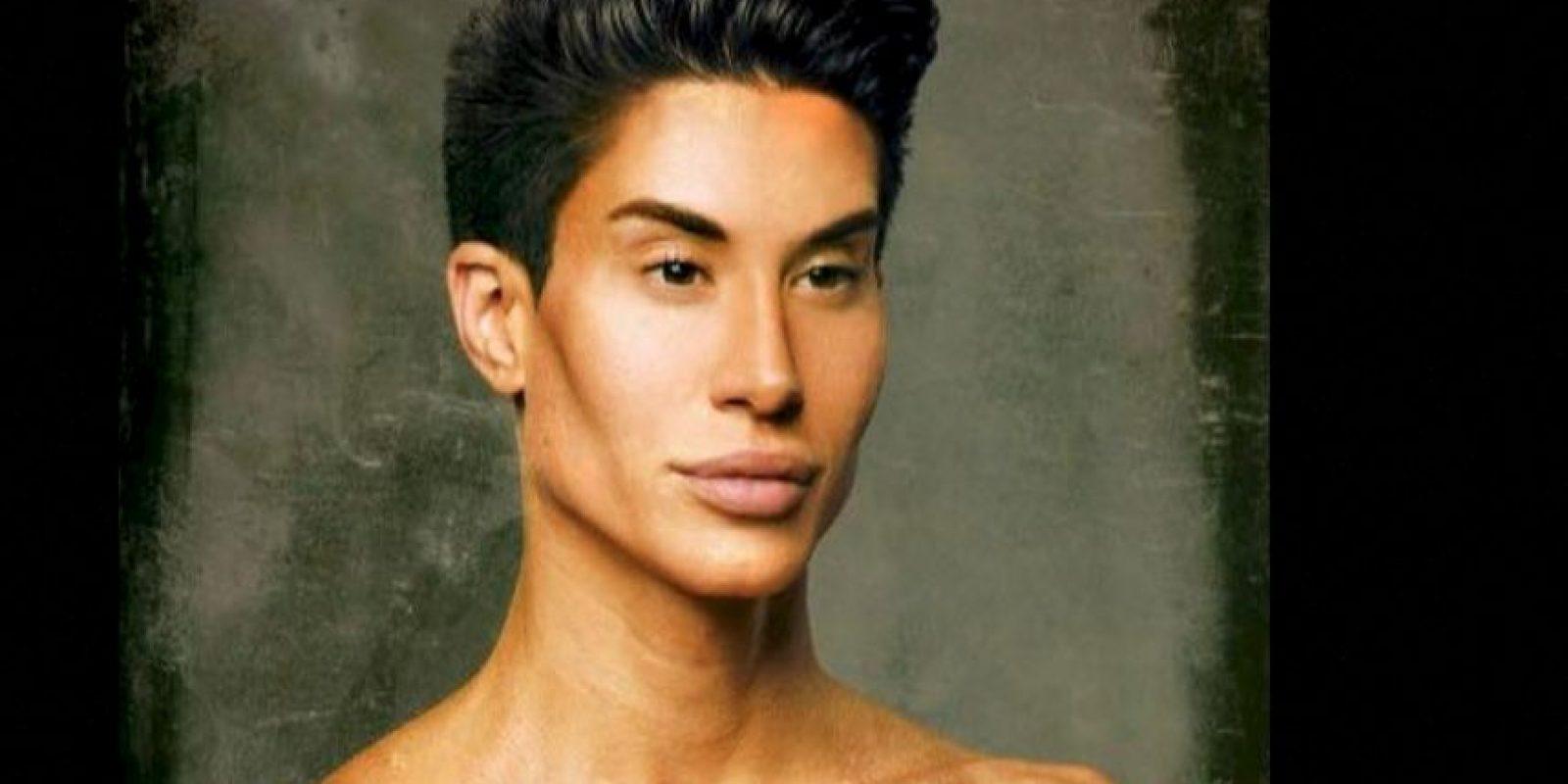 """Justin Jedlica es el """"Ken Humano"""" y ve en la transformación de su cuerpo una forma de arte. Foto:vía Facebook/Justin Jedlica"""