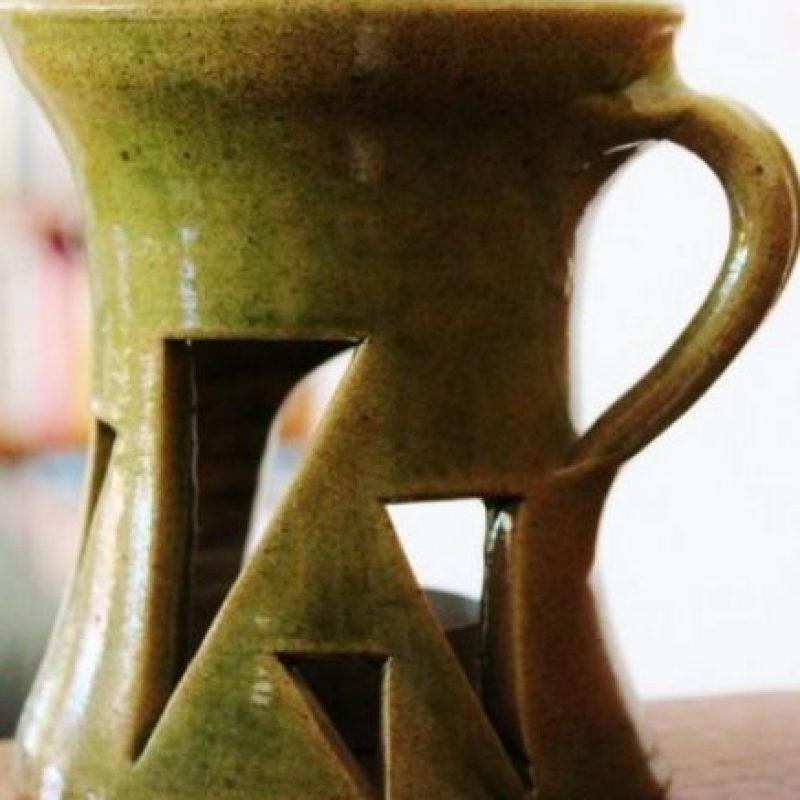 Oler aceites relajantes como la manzanilla, palo de rosa, sándalo o salvia puede aquietar la mente, y si usted está buscando la estimulación romántica, naranja, limón, jengibre, o ylang ylang puede hacer maravillas. Foto:Tumblr