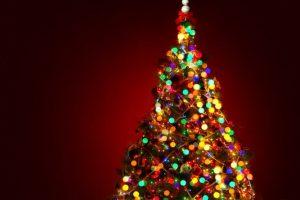 Dos años después, Edward Johnson, un amigo de Edison, mostró el primer árbol de Navidad iluminado en su casa de Manhattan. Foto:Wikicommons