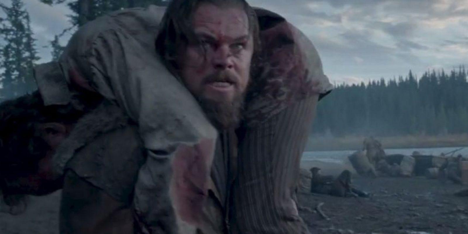 """""""Leo"""" también tuvo que dormir entre cadáveres de animales. Foto:20th Century Fox"""