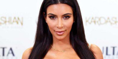 Kim Kardashian comparte fotos sin ropa con Photoshop y estas son las originales