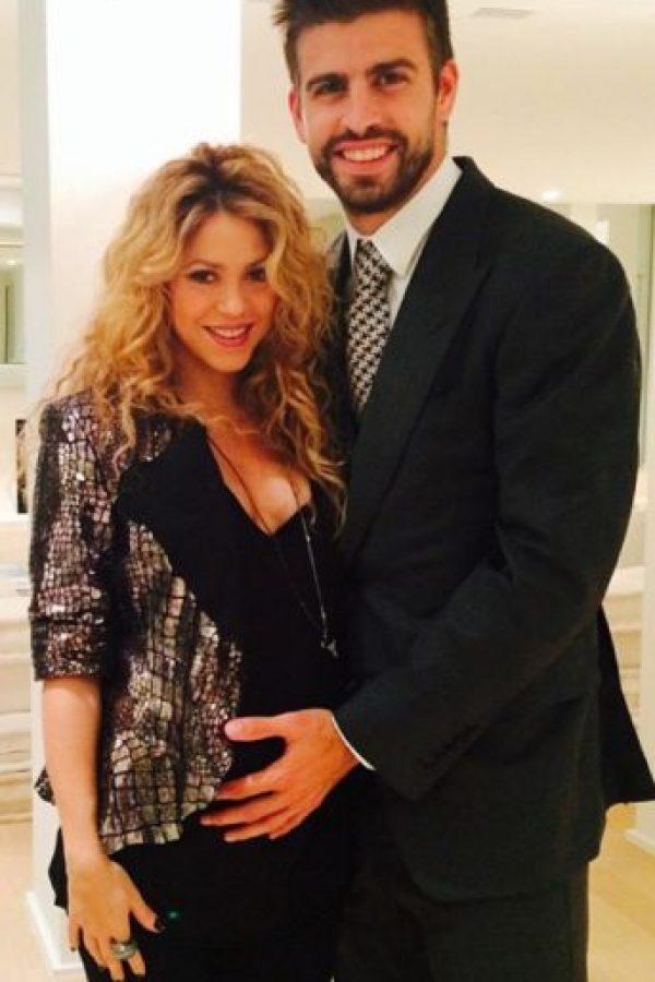Shakira y Piqué publicaron una emotiva carta de felicitación al fundador de Facebook Foto:Vía instagram.com/shakira