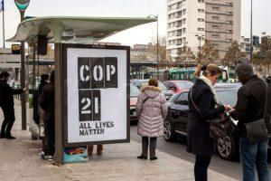 Dicha empresa es una de las empresas de publicidad al aire libre más grandes del mundo. Foto:Vía brandalism.org.uk