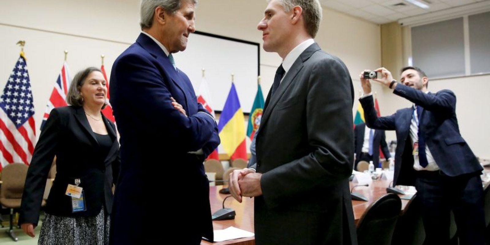 El Secretario de Estado estadounidense John Kerry se reunió con el primer ministro de Montenegro, Igor Luksic. Foto:AFP