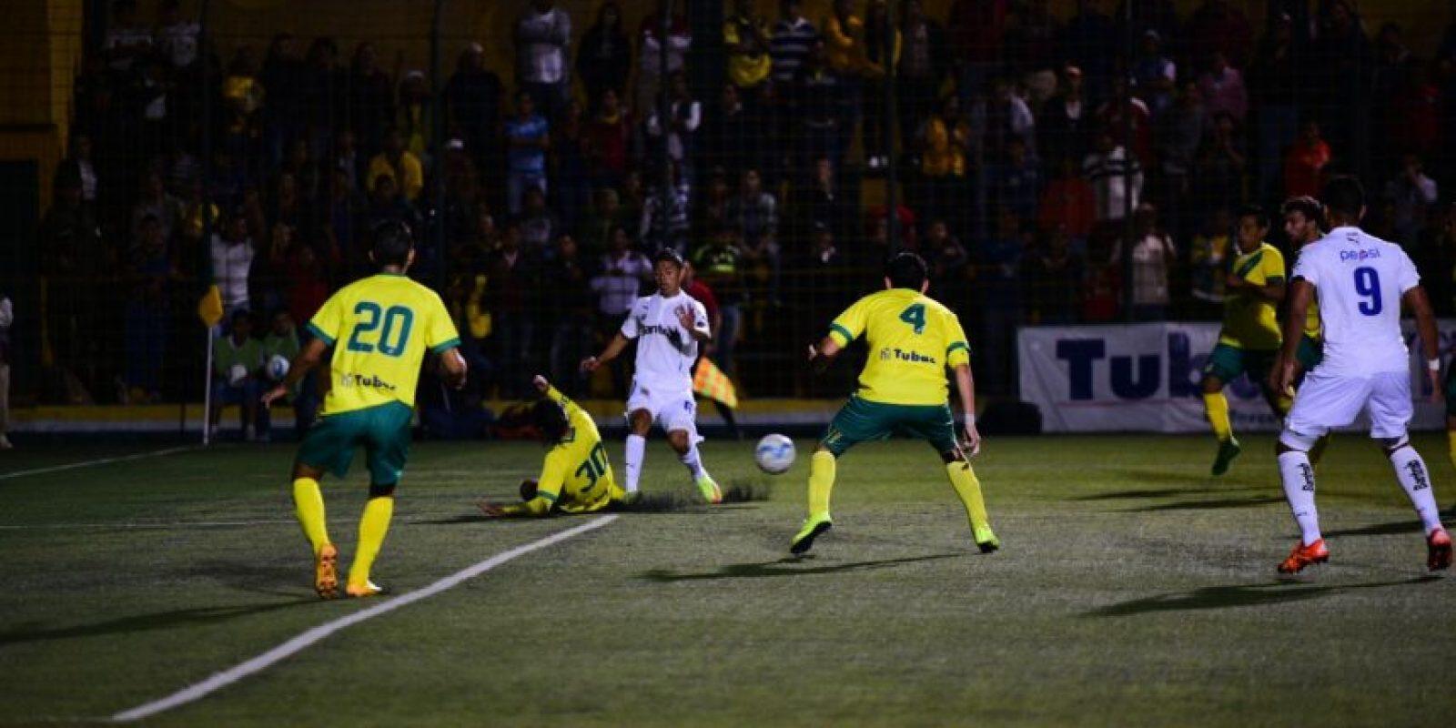 El 0-0 prevaleció entre los petapenses y los blancos luego del partido de ida de la serie. Foto:Oliver de Ros