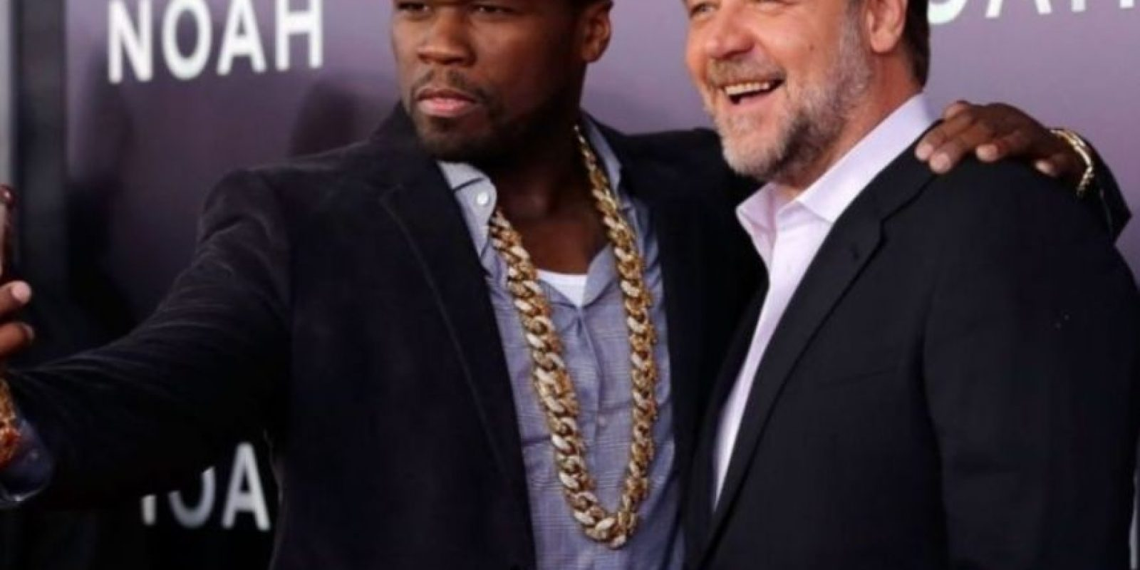 "'50 Cent' y el actor Russell Crowe durante la premiere de ""Noé"". Foto: Getty Images"