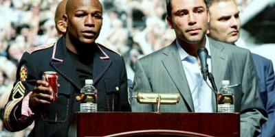 Mientras que De la Hoya se fue del box con una marca de 39 victorias y seis derrotas Foto:Getty Images