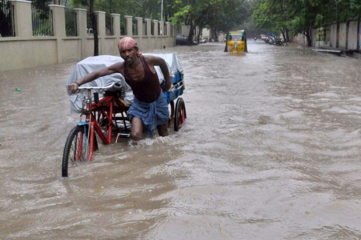 Las autoridades han declarado que los niveles de agua están disminuyendo. Foto:AFP