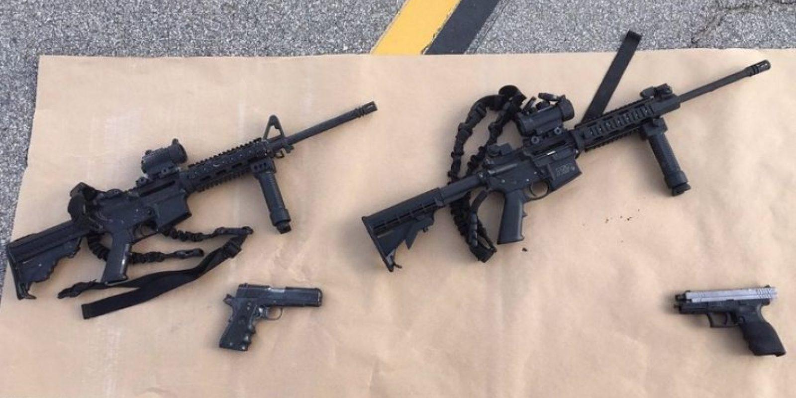 Los sospechosos estaban tenian distintas armas de fuego. Foto:AFP