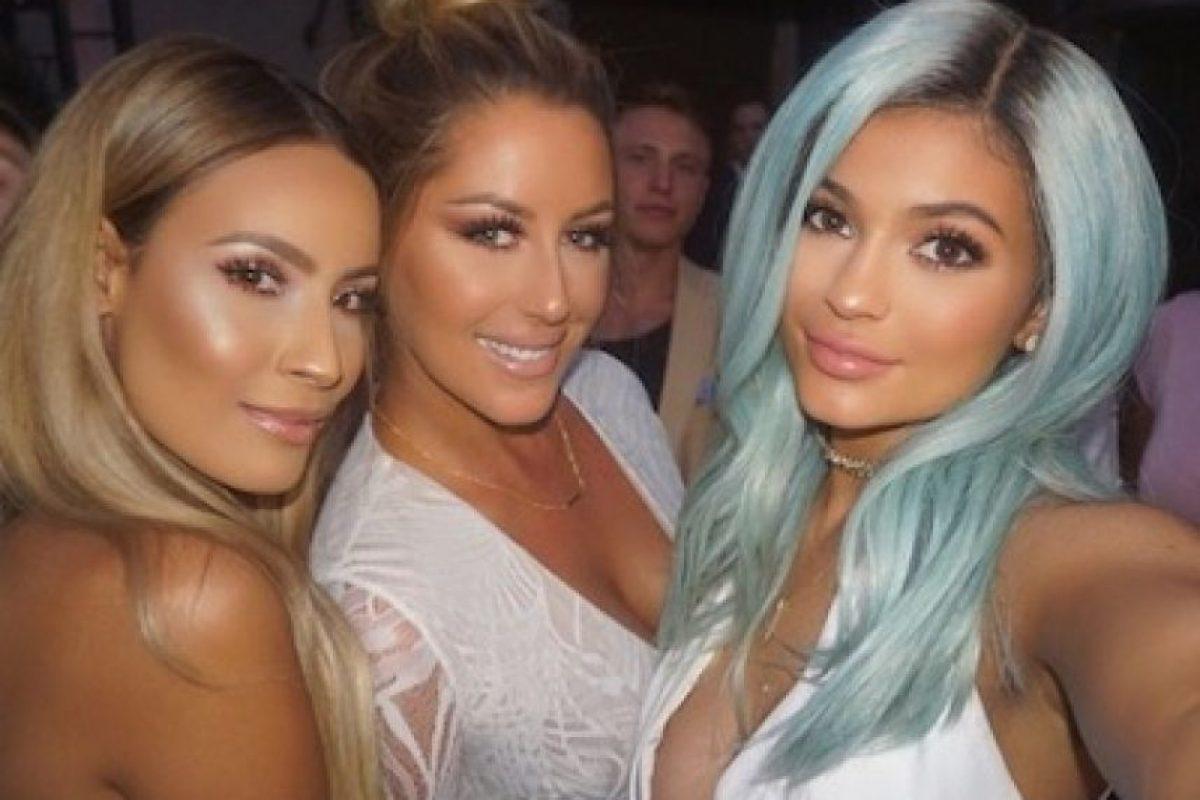"La hermana de Kim Kardashian asistió a la apertura del ""Bellami Beauty Bar"" en West Hollywood. Foto:Instagram/KylieJenner"