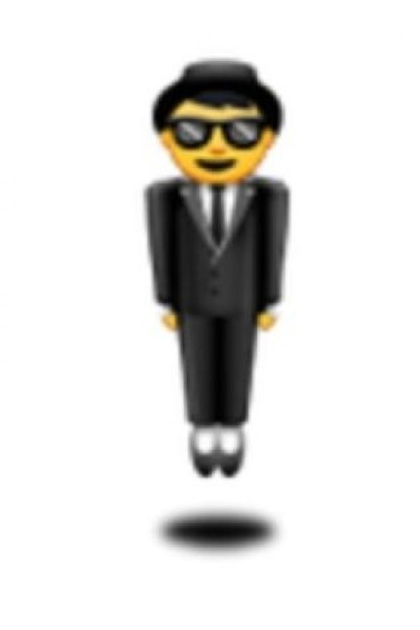 Hombre con traje levitando. Foto:vía emojipedia.org