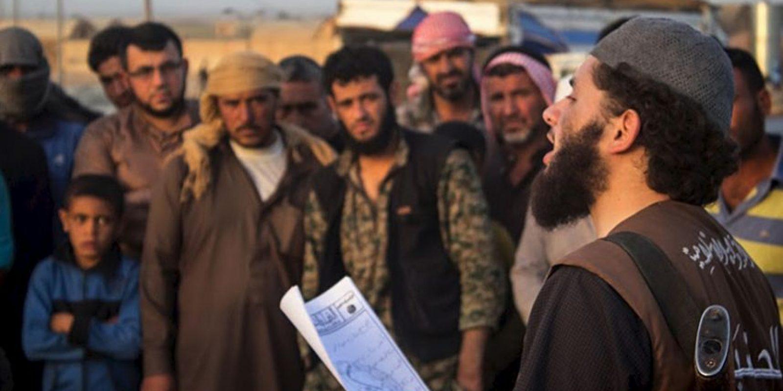 El grupo terrorista los secuestró luego de matar a sus familias. Foto:AP