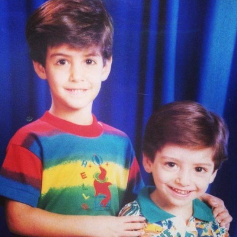 """Aquí nuevamente el """"hombre más guapo del mundo"""" cuando era niño. Foto:Vía Instagram/@omarborkan"""
