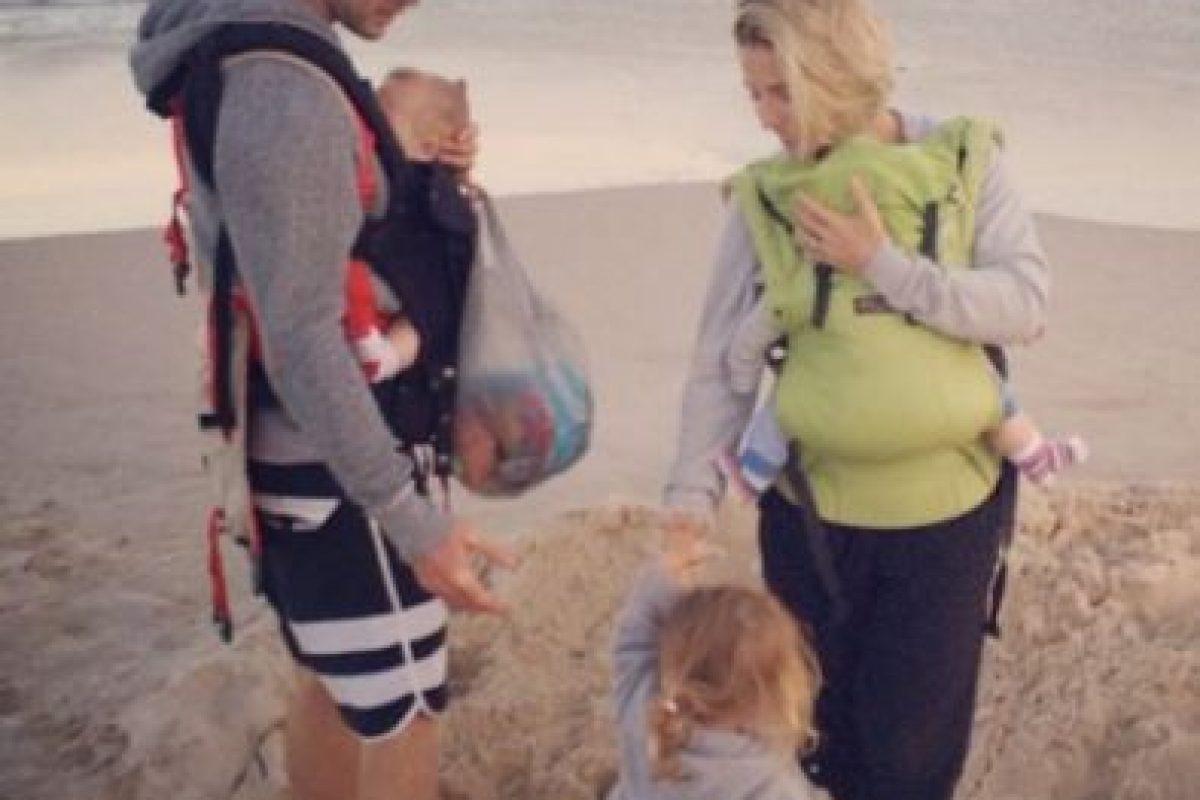 """""""En un lapso de tres años, tuvimos a nuestros hijos y simultáneamente mi carrera estaba en ascenso y todo cambió"""", comentó a la revista """"Parade"""". Foto:vía instagram.com/chrishemsworth"""