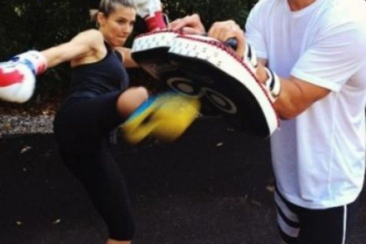 """""""Ella es la que se encarga de mantenerme en forma. Siempre me está diciendo: '¿Pero qué estás haciendo con ese muffin? ¡Suéltalo ahora mismo!'"""", comentó al portal E! News. Foto:vía instagram.com/chrishemsworth"""