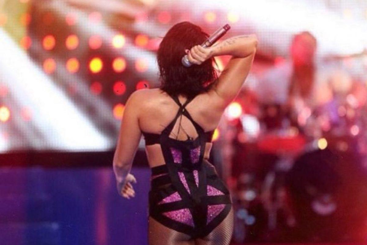 Aunque sin la obra del Photoshop se ve así (¿notaron la diferencia en sus hombros y espalda?) Foto:vía instagram.com/demilovato