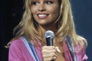 En 1989, la cámara que filmaba a los asistentes de un estadio apuntó a Pamela Anderson. Al ser ovacionada por la multitud, le ofrecieron un contrato de modelaje. Desde ahí apareció en Playboy y se mudó a Los Ángeles. Foto:vía Getty Images