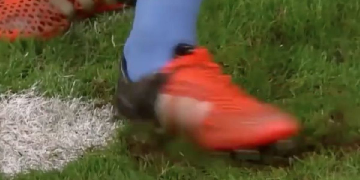 VIDEO. Portero alemán detiene penalty haciendo trampa