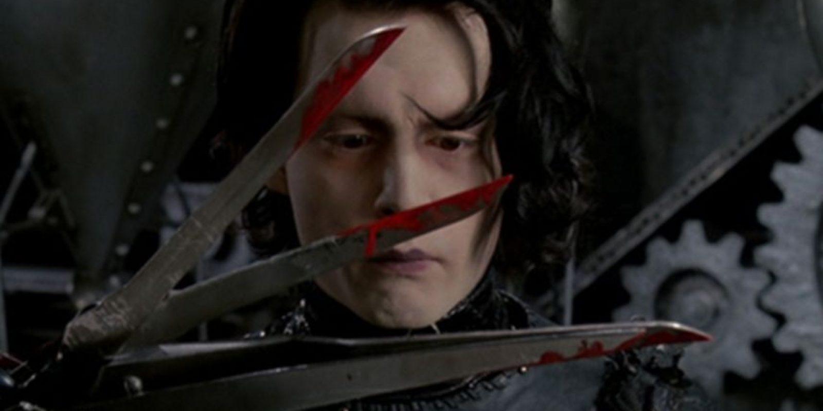 8. La decisión de utilizar tijeras reales para las manos de Edward, en lugar de trozos afilados de metal, fue hecha por la leyenda de efectos especiales Stan Winston. Foto:20th Century Fox