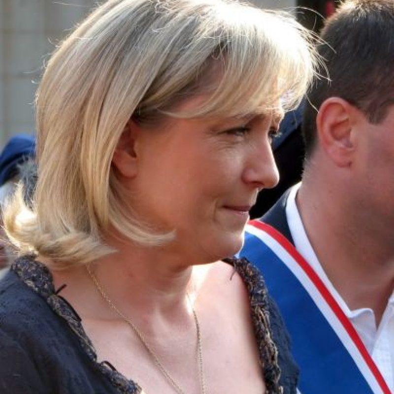 Ese mismo mes ordenó la expulsión del Frente Nacional de Alexandre Gabriac por aparecer en una foto haciendo el saludo nazi. Foto:Wikicommons