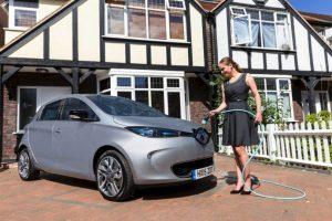 """""""Compartir el carro se convertirá en la forma más inteligente de usarlo"""", según Philip Schulz, experto de Renault, la primera marca en llevar carros particulares eléctricos a Colombia. Foto:Getty Images"""