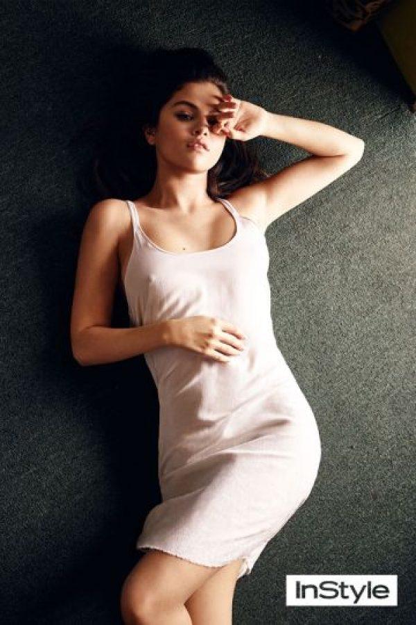 """Selena quiere dejar en claro que ya no es la niña Disney a la que todos conocimos en la serie de """"Los Hechiceros de Waverly Place"""". Foto:InStyle"""