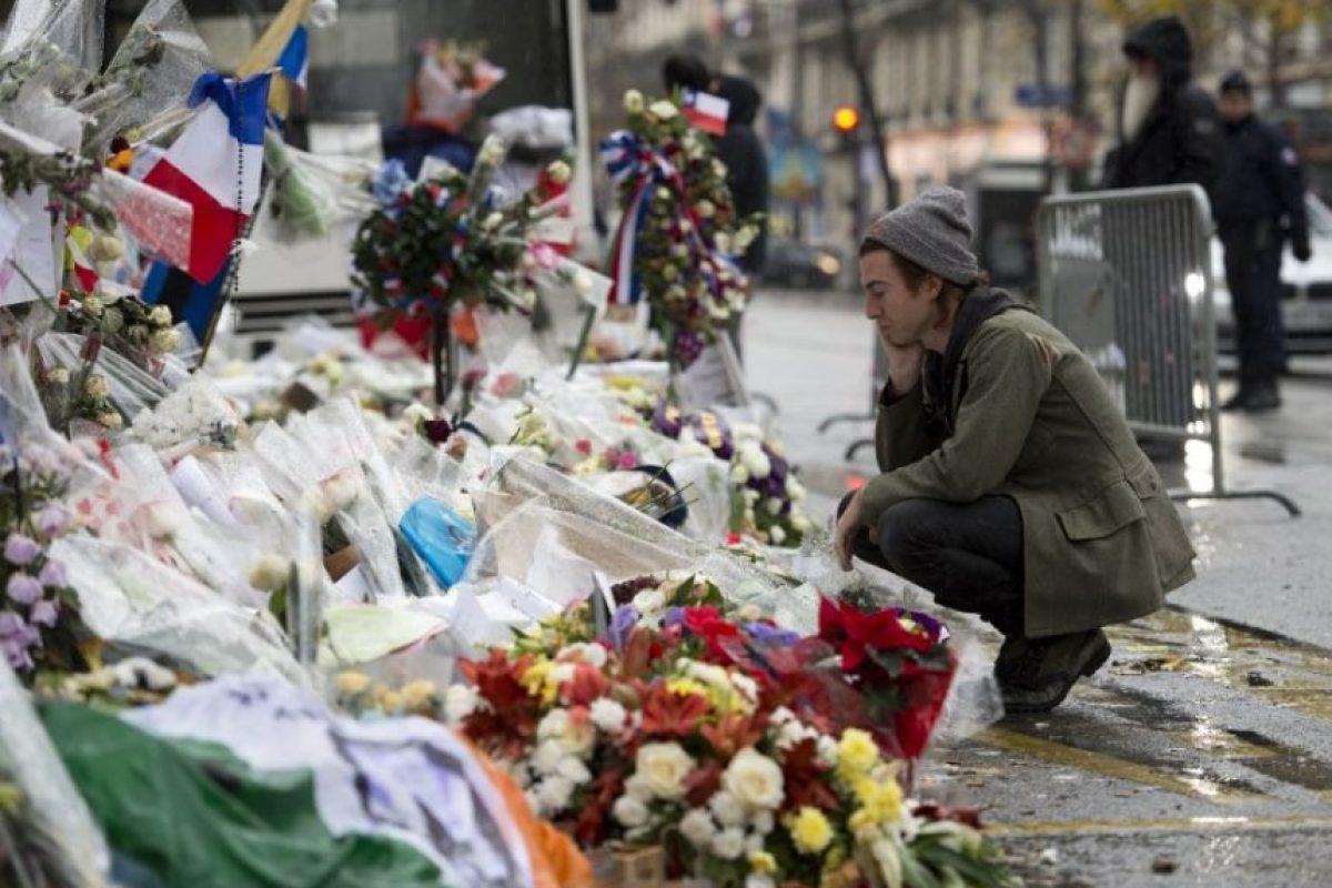 La banda se mostró agradecida con U2 por los hechos Foto:AFP