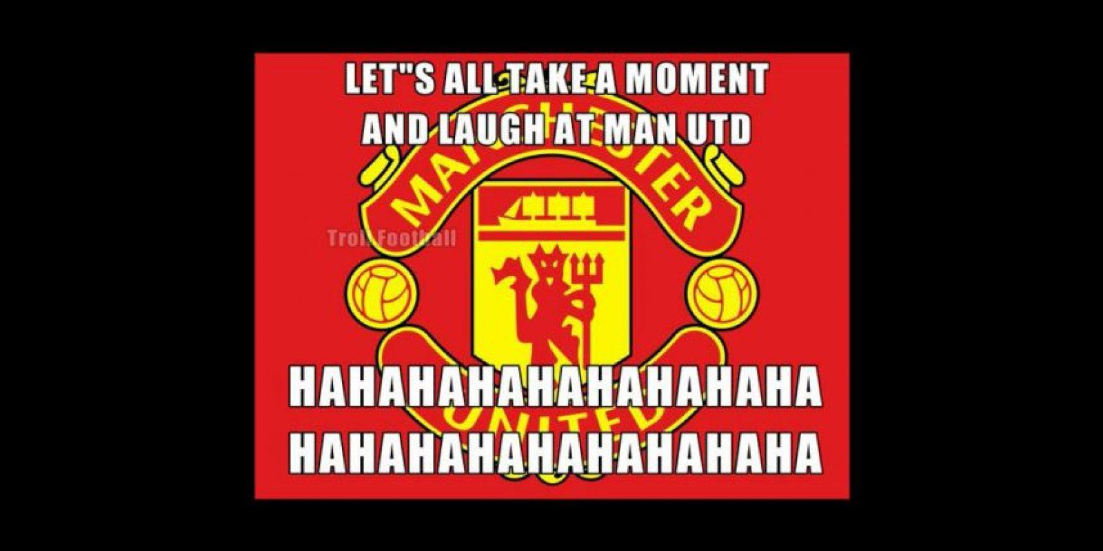 """Dediquemos un momento a reírnos del Manchester United"". Foto:Vía twitter.com/troll__football"