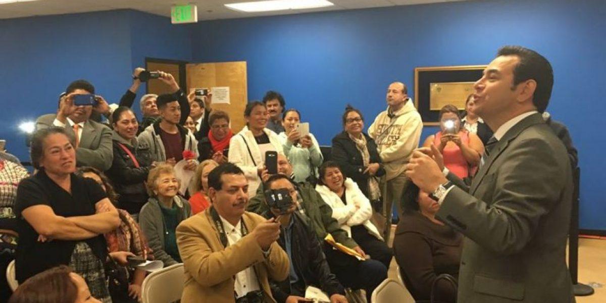 Connacionales comparten con Jimmy Morales en Los Ángeles, California