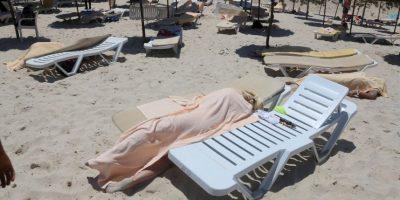 27 de junio- Un hombre abrió fuego en un Sousse, en Túnez. Foto:AP