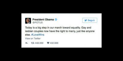 """""""Hoy es un gran paso en nuestro camino hacia la equidad. Parejas gay y lesbianas ahora tienen el derecho a casarse, igual que cualquiera"""", declaró el mandatario. Foto:vía twitter.com/presidentobama"""